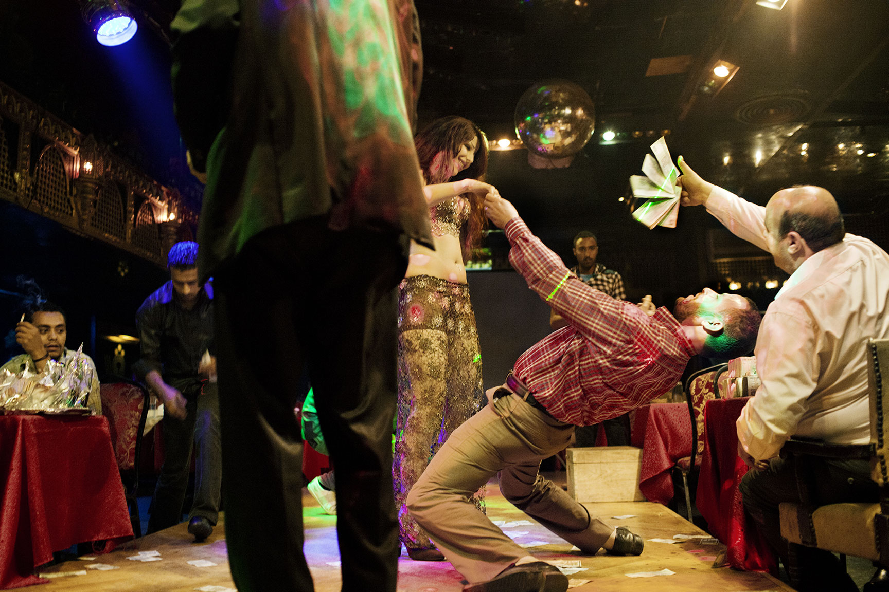 EGYPT_BELLY-DANCERS_20120429_291-copy.jpg